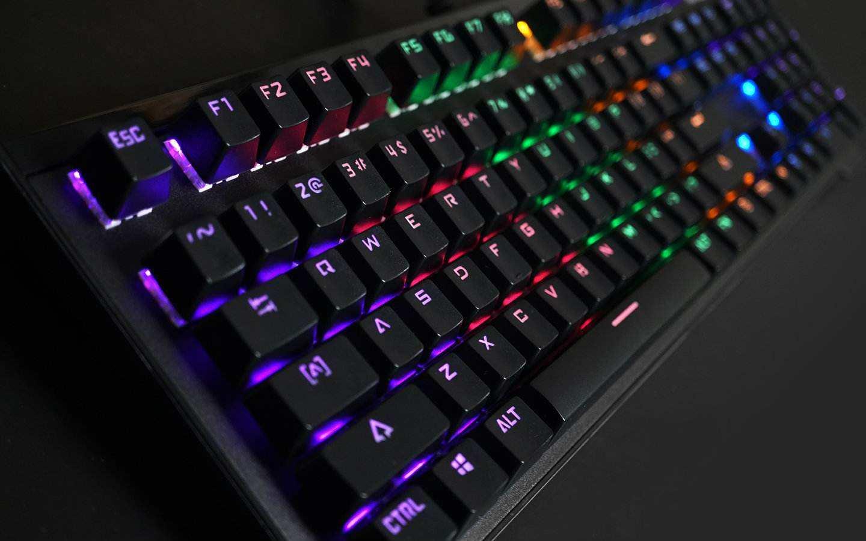 机械键盘换轴教程 机械键盘怎么拆轴
