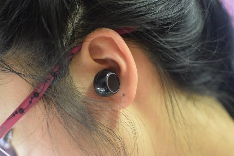 头戴式降噪蓝牙耳机推荐2000左右
