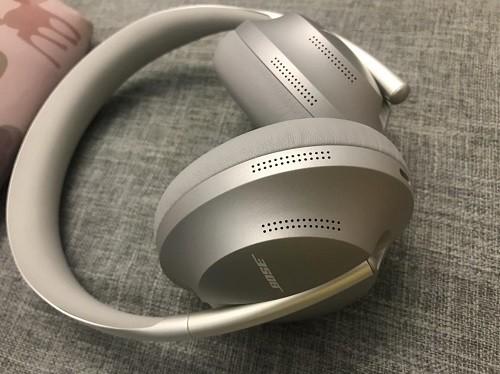 现在无线降噪耳机貌似很火啊,无线降噪耳机原理是什么?最近想入手一款,有什么推荐吗?