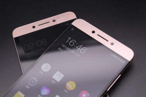 为什么最近白色的手机越来越少了?我今年想换手机结果发现几乎都没有几台白色的。