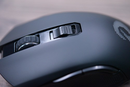 萌新用达尔优的EM905双模版鼠标,宏设置在哪里找啊?