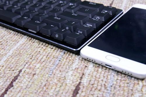 戴尔笔记本电脑键盘qweruiop不能用,把键盘拆下来换上新的也不能用怎么回事?