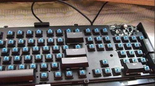 机械键盘用着是什么感觉?哪个机械键盘轴最好?什么轴的机械键盘最值得买?